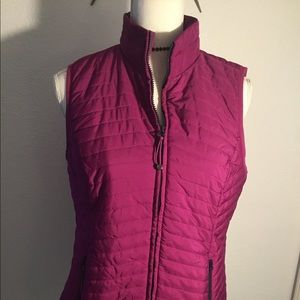 T by Talbots maroon vest - S